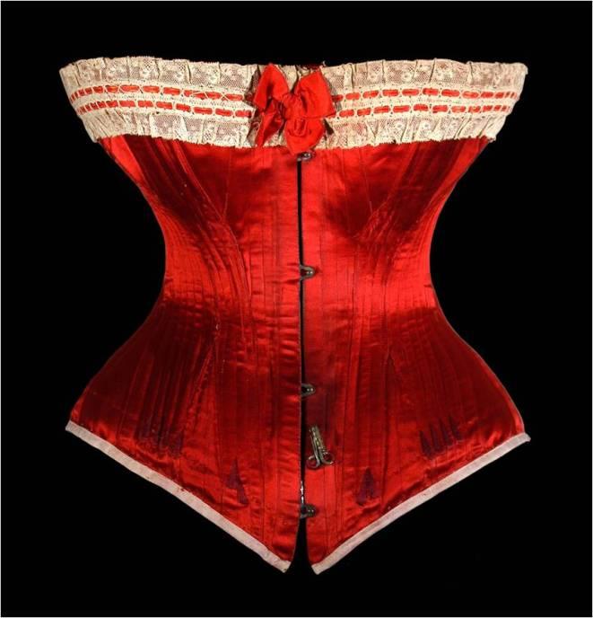 1890 Corset en soie rouge