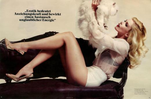9 Vogue Claudia Schiffer
