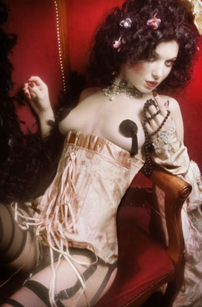 Corset 1925.Photo Andy Juila pour Spirit of Vintage