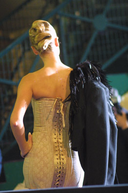 Gaine-longue-corsetée-LAROC