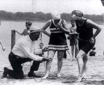 Bathing-Beach-Women-1920