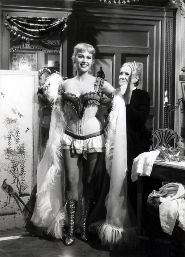 Martine Carol film Nana- corset Martine Carol