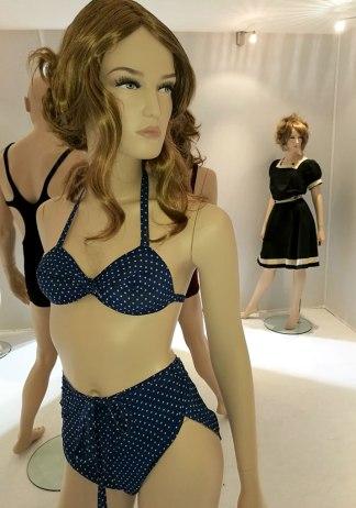 exposition-bikini-nuits-de-satin-1936-les-conges-payes-w2-p