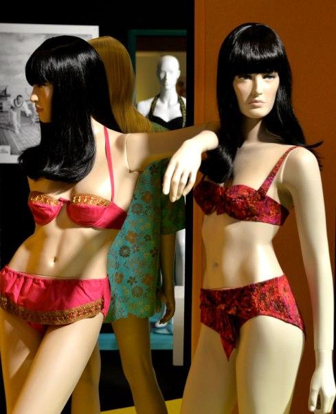 exposition-bikini-nuits-de-satin-1960-twist-a-st-tropez-w1