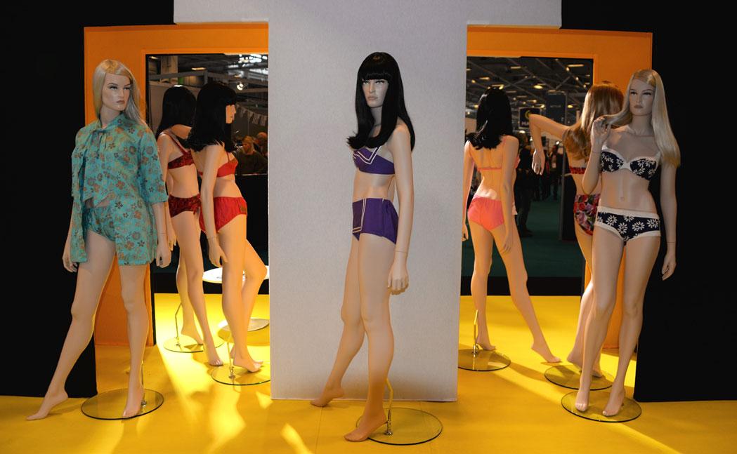 exposition-bikini-nuits-de-satin-1960-twist-a-st-tropez-w3p