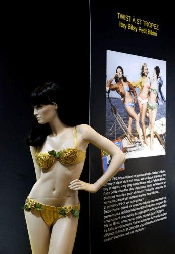 exposition-bikini-nuits-de-satin-1960-twist-a-st-tropez-w9a