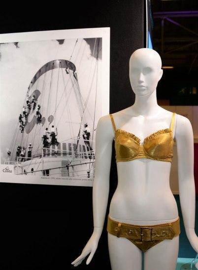exposition-bikini-nuits-de-satin-1970-la-croisiere-samuse-c