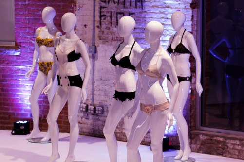 exposition-bikini-nuits-de-satin-new-york-2