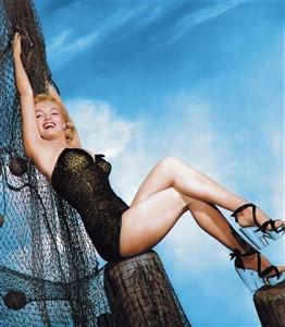 PIN-UP Marilyn Monroe maillot de bain swimsuit 1950 (262 x 300)