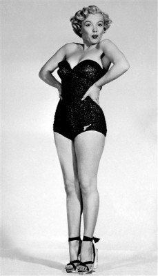 PIN-UP Marilyn Monroe maillot de bain swimsuit 1950s