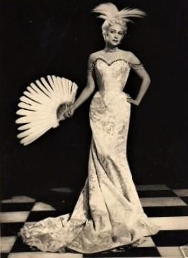 Martine Carol - Secrets D'alcôve - Film Jean Delannoy 1953 - Sketch Le Lit De La Pompadour 1