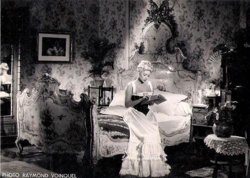 Martine Carol - Secrets D'alcôve - Film Jean Delannoy 1953 - Sketch Le Lit De La Pompadour 4