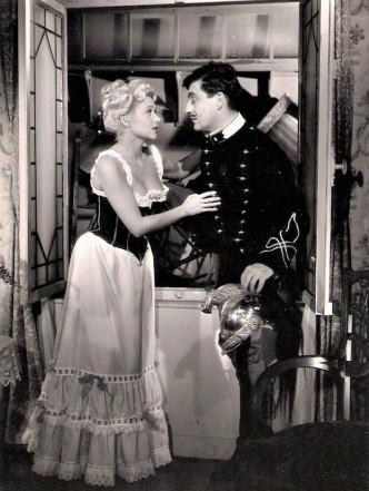 Martine Carol - Secrets D'alcôve - Film Jean Delannoy de 1953 - Sketch Le Lit de La Pompadour