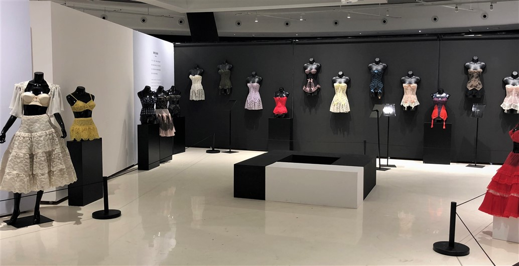 23 Historical lingerie Exposition Chongquing