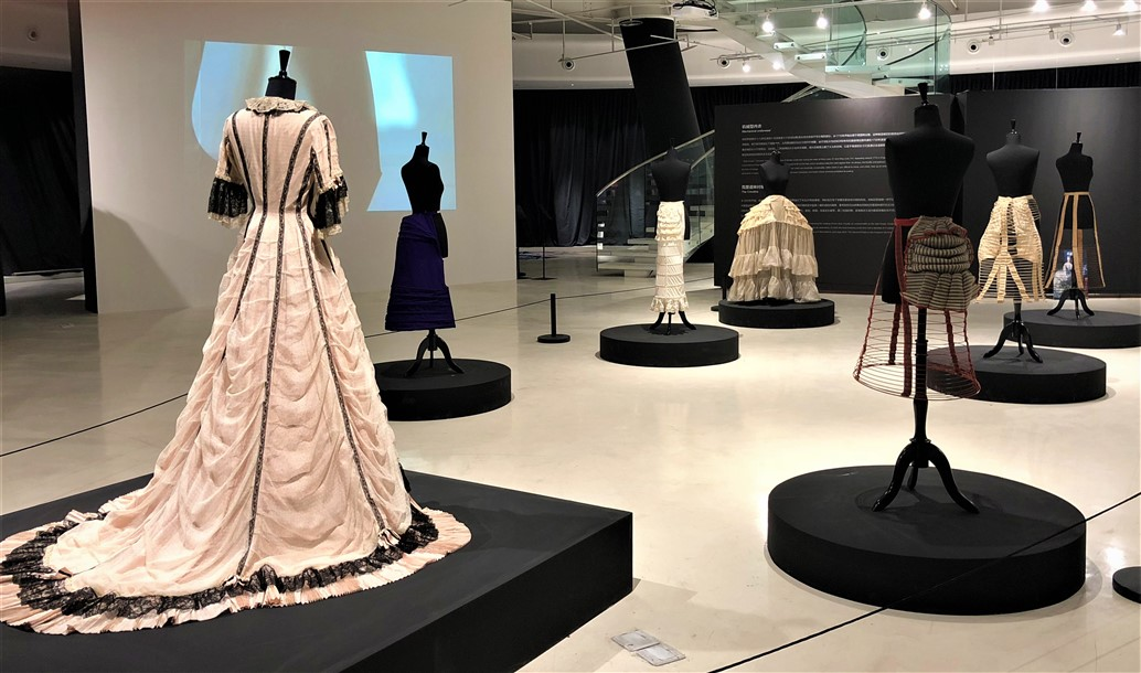9 Historical lingerie Exposition Chongquing