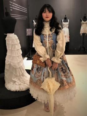 Exposition Corsets Chongquinq -shibuya girl