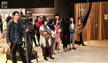 Journalistes Exposition Corsets Chongquinq 2