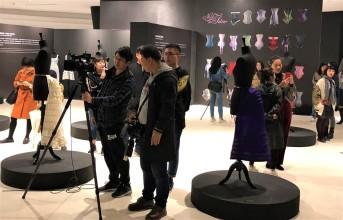 Journalistes Exposition Corsets Chongquinq 3